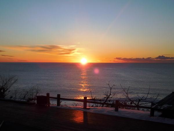 海の別邸ふる川から見える今日の朝日~平成28年1月22日