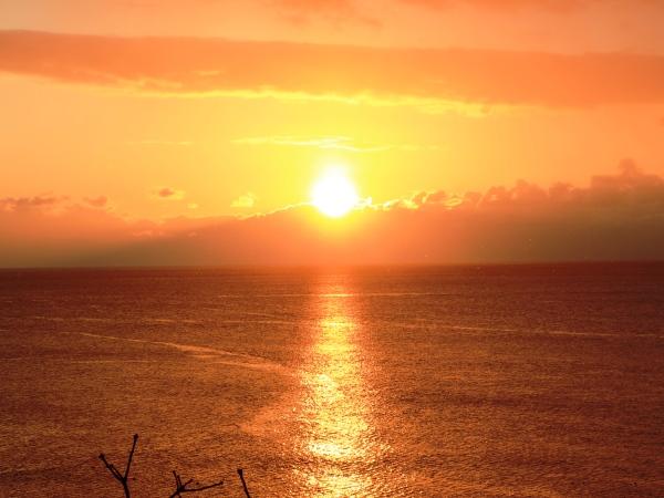 海の別邸ふる川から見える今日の朝日~平成28年1月31日