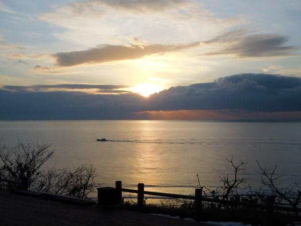 海の別邸ふる川から見える今日の朝日~平成28年2月4日