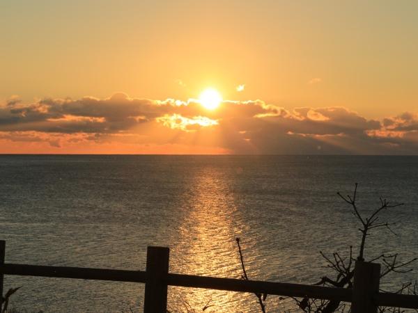 海の別邸ふる川から見える今日の朝日~平成28年2月7日
