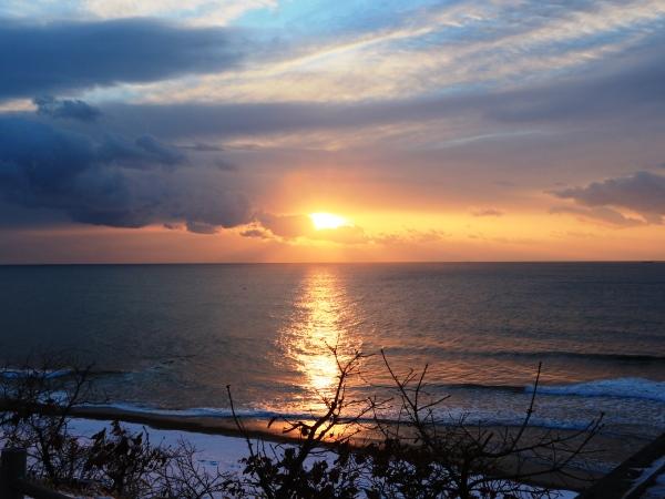 海の別邸ふる川から見える今日の朝日~平成28年2月17日