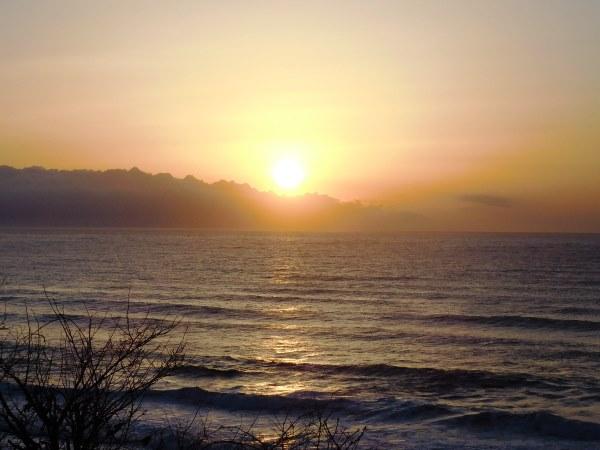 海の別邸ふる川から見える今日の朝日~平成28年3月07日