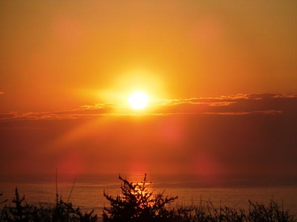海の別邸ふる川から見える今日の朝日~平成28年5月18日