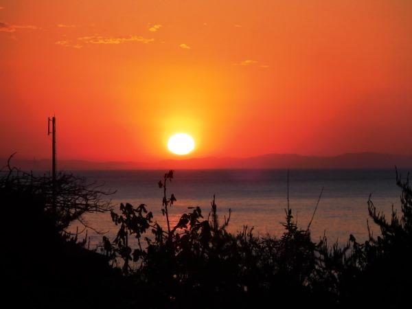 海の別邸ふる川から見える今日の朝日~平成28年5月28日