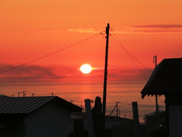 海の別邸ふる川から見える今日の朝日~平成28年6月6日