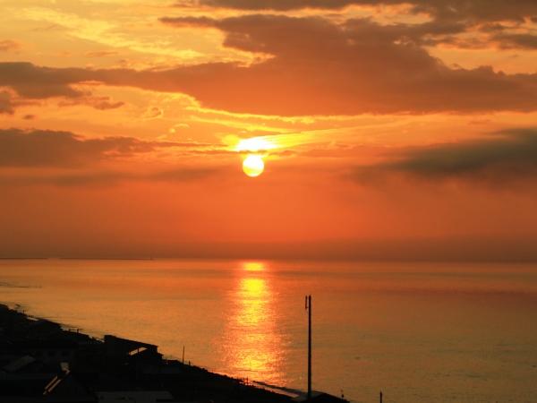海の別邸ふる川から見える今日の朝日~平成28年6月28日